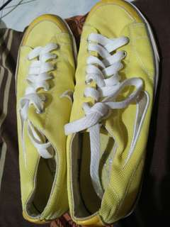 Authentic Pre loved Nike shoes for women