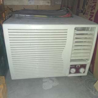 Eureka 1hp Aircon Window type