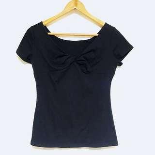 🚚 性感黑色彈性女胸前抓皺短袖上衣 S-M號可穿