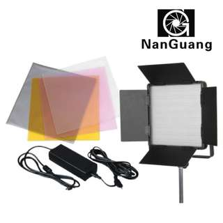 Nanguang CN-600SA Led Light. Come With Light Stand, Color Filter and Bag