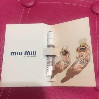 Miu Miu 粉紅香水