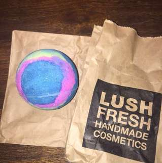 LUSH BATH BOMB INTERGALATIC