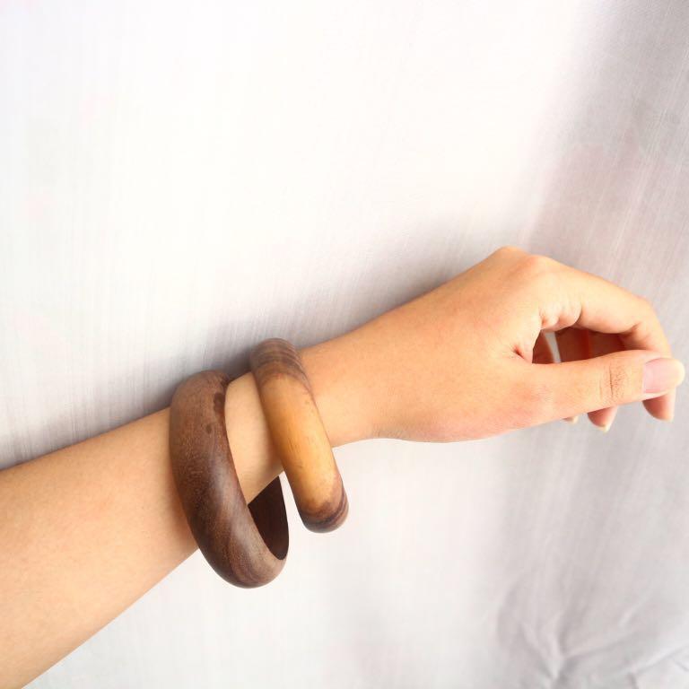 1 set wooden bangles (big)