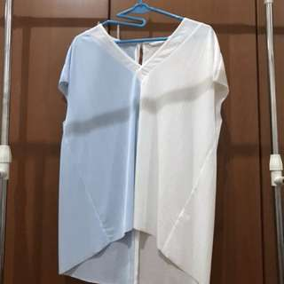 Blouse blue and white breast 52cm