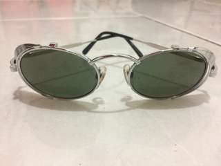 Kacamata Vintage Hanis