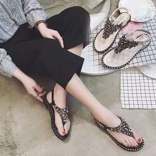 2018 new summer Korean version of the flat sandals female wild flat with Rome Bohemian open toe clip sandals