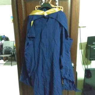 Very new Nus graduation gown for engineering bachelors degree