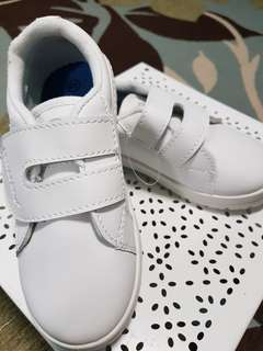 Kids shoe size 20 BNIB