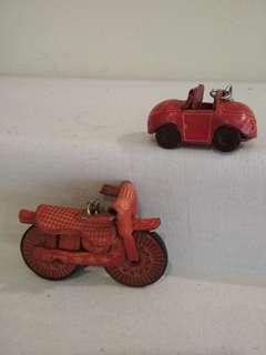 Leather vehicle shaped keychains