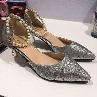 BN Silver cat heels