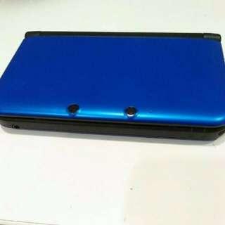 Nintendo 3DS XL (Blue - Black) + sky3ds+