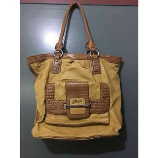 AUTHENTIC GUESS BAG (CUSTARD)