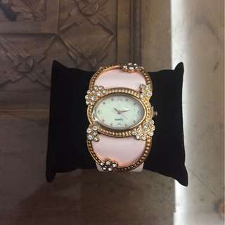 Promotion for this week-Avon Quartz Ladies Watch
