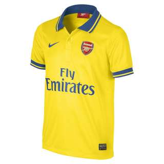 Wiling to buy Arsenal 2013/14 Away Kit