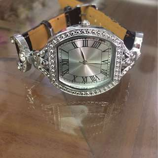 Promotion for this week -Avon Ladies Watch