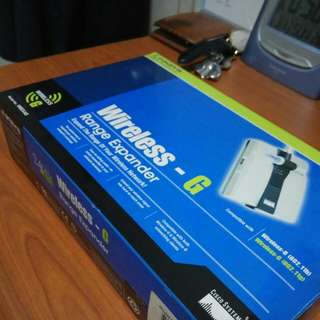 WTS Brand New Wireless Extender Repeater