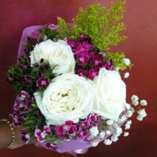 Fresh Roses Bouquet (White Roses)