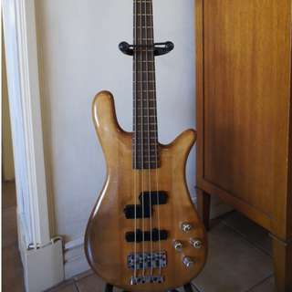 Bass Guitar Warwick Streamer