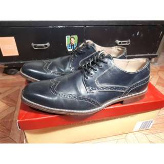 Dexter Comfort wing tip dress shoes