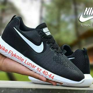 Nike flyknite lunar sz 40-44