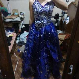 FOR RENT GOWN JS
