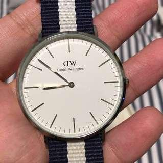 Daniel Wellington 40mm watch (silver)