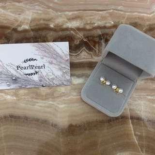 [天然珍珠]Pearl Pearl 蝴蝶結雙珍珠耳環 特價$208