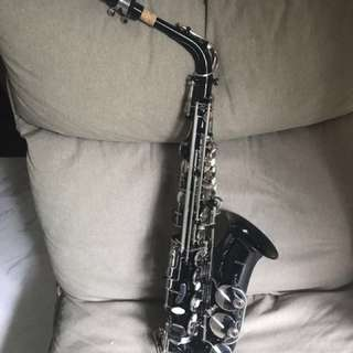 Alto saxophone (Black and silver)