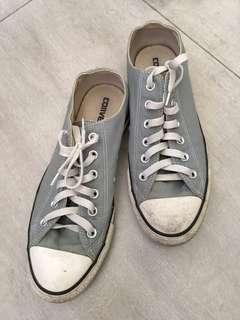 REPRICED Converse chucks