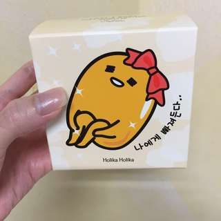 Holika Holika Gudetama Photo Ready Cushion BB (Light Beige)