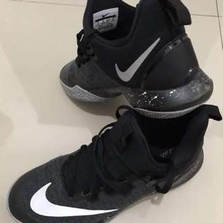 Nike Zoom Shift size US 9 (original)