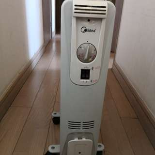 90% new Midea Oil Heater 2000W, 美的 電暖爐