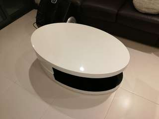 Mondi swivel coffee table.✅