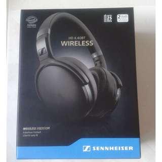 Fast deal $160 Sennheiser HD 4.40BT Wireless Bluetooth Headphones