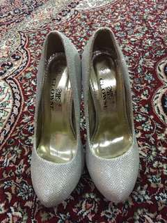 Event silver shoes