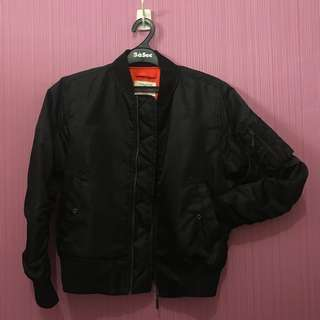 Insigne Black Bomber Jacket (anti air)