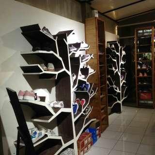 furniture pajangan sepatu complit punya pribadi