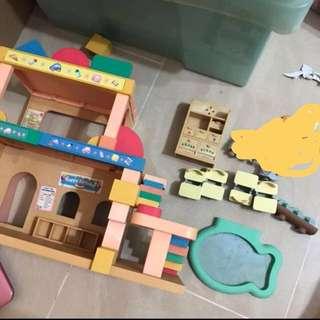 Sylvanian families preschool treehouse