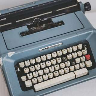 Real Vintage Typewriter For Rental