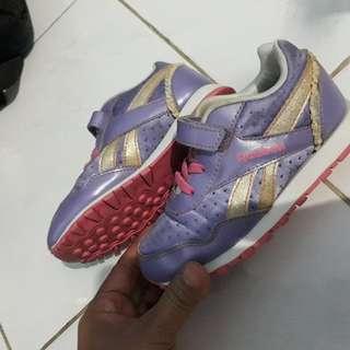 Sepatu Reebok kids