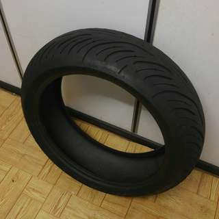 High Quality, 1 Month Pre-loved Michelin Pilot Road 4 FOR SALE