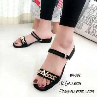 Style V sandals