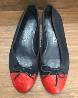 REPRICED‼️ Chanel flatshoes size 35 (insole 22cm)