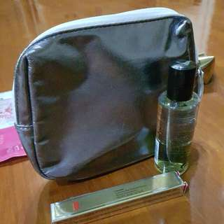Pouch +elizabeth arden eye and lip makeup remover