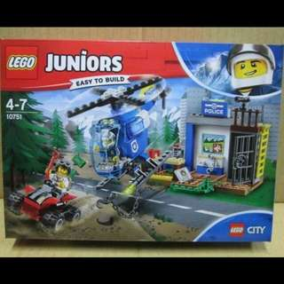 全新 Lego 10751 Juniors系列 Mountain Police Chase