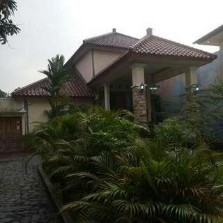 Rumah mewah Furnished halim Jakarta timur