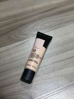 Matte Clay Skin Clarifying Foundation (The Body Shop)