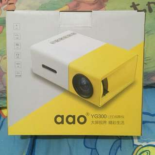 YG300 LED 投影器,projector