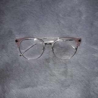 Pink eyewear (no grade)