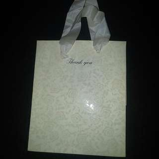 "Free : ""Thank you"" + rose design paper bag"
